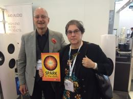 Monaco High End 2016: conferisco il nostro Spark in the Dark a Eunice Kron in persona, CEO KR Audio.