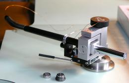 Assembling a DaVinci Virtu Master Reference tonearm.<br />On the bottom a pair of gimbaled magnetic-sapphire bearing, like in the movements of the mechanical watches.