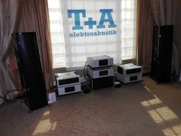 International CES 2014 | T+A Line stage PA3000HV, cd player MP3000HV, amplificatore e alimentatore A3000HV PS3000HV, diffusori Solitaire
