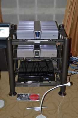 International CES 2013 | Viola Crescendo preamplifier and Concerto power amp