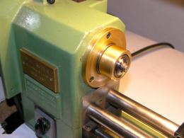 In the lathe spindle a hinge of the Virtu tonearms joint. When it is said fine making.