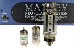 The Manley 500 monoblock utilizes the KT90 as output tubes, the 12BH7A as driver stage and the 12AT7A as input tube.